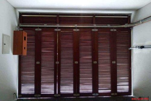 Garage Doors 01, Projects, Contact Us